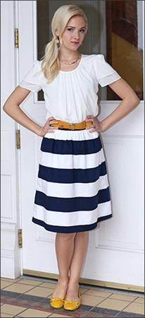 女性の服装 ブライダルフェア ボーダーのスカート