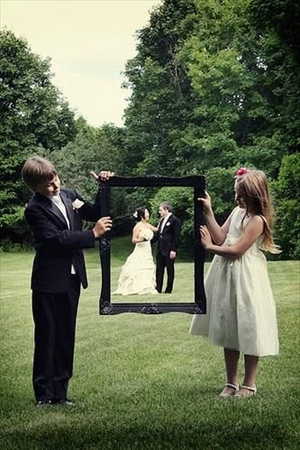 結婚式の写真 フレームや額縁を使う
