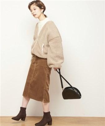 ブライダルフェア 女性の服装 ブルゾン